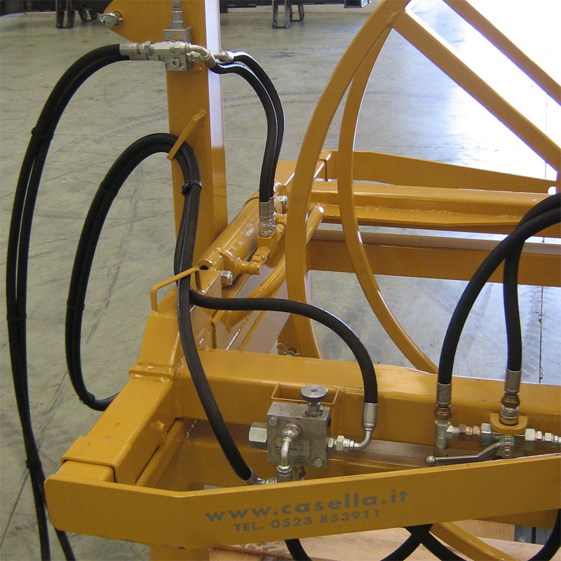 Casella AVX tractor mounted hydraulic driven hose reel for
